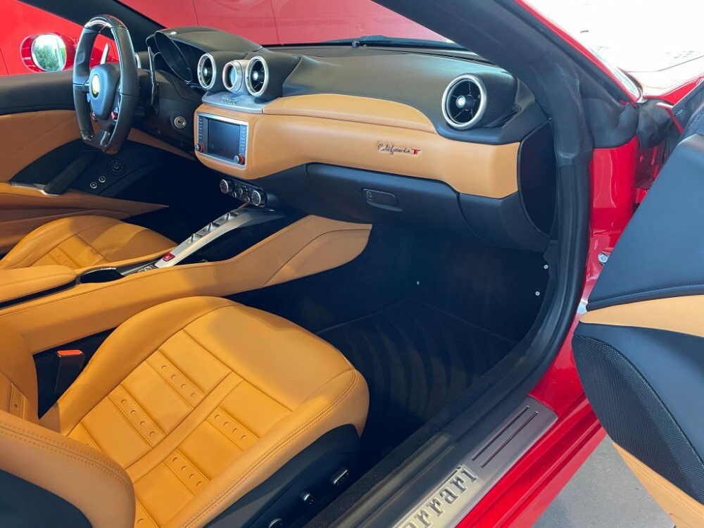 2016 Ferrari  California image _610646d9357446.81764930.jpg