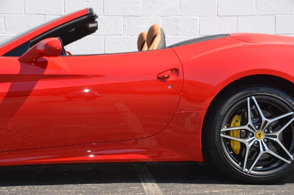 2016 Ferrari  California image _610646de1ad487.69776431.jpg