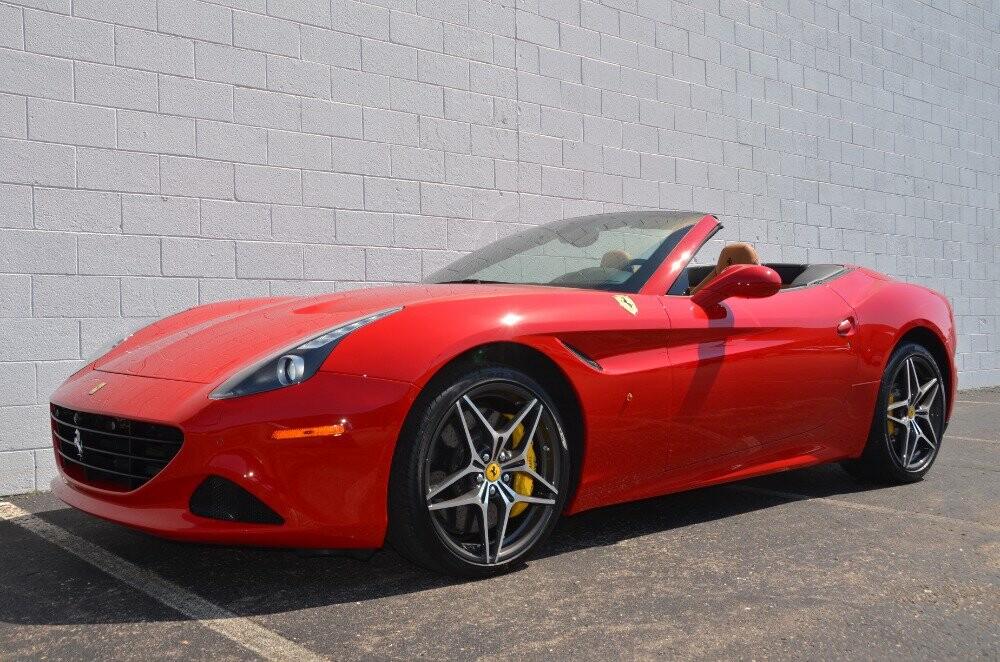 2016 Ferrari  California image _610646e30de583.35021360.jpg