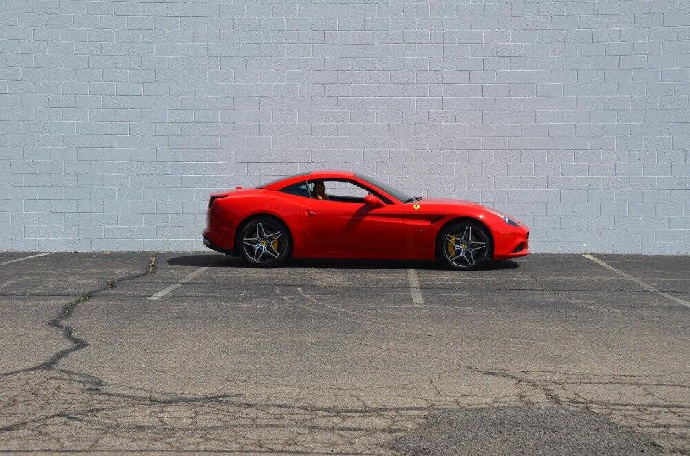 2016 Ferrari  California image _610646ea7e4f06.85372452.jpg