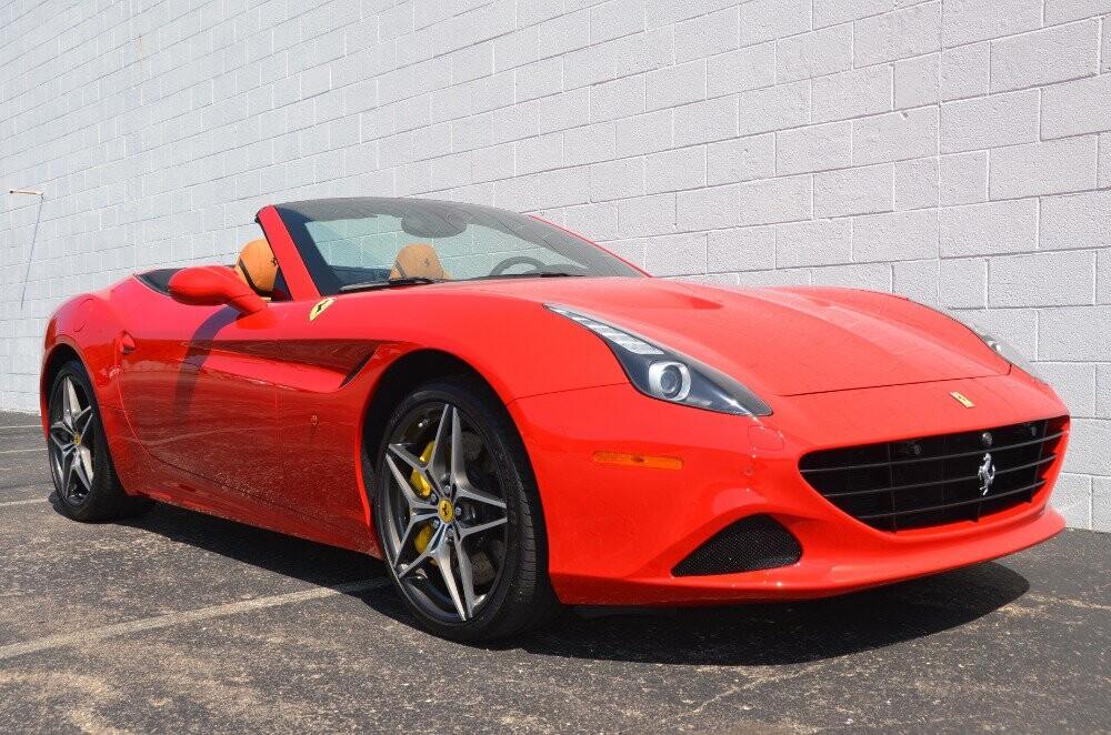 2016 Ferrari  California image _610646ed863925.30279627.jpg