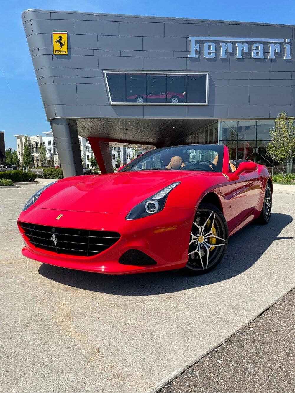 2016 Ferrari  California image _610646ef2c7588.28733738.jpg