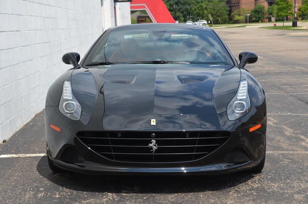 2016 Ferrari  California image _610647a134e107.11178444.jpg