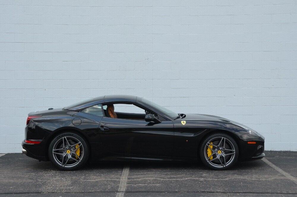2016 Ferrari  California image _610647a25a0603.07251260.jpg
