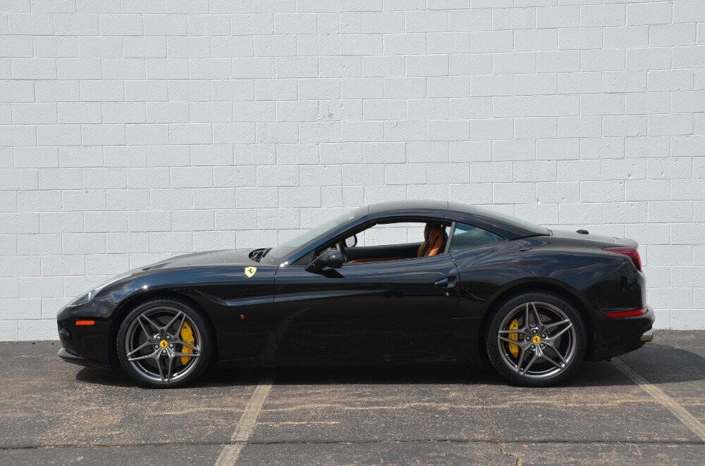2016 Ferrari  California image _610647a4a625f0.52140798.jpg