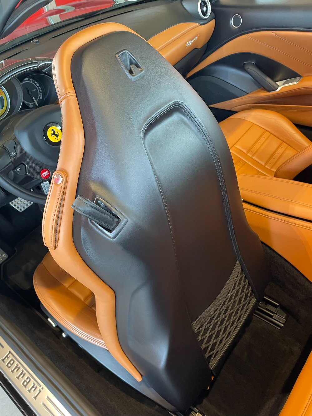 2016 Ferrari  California image _610647aa902603.88243122.jpg