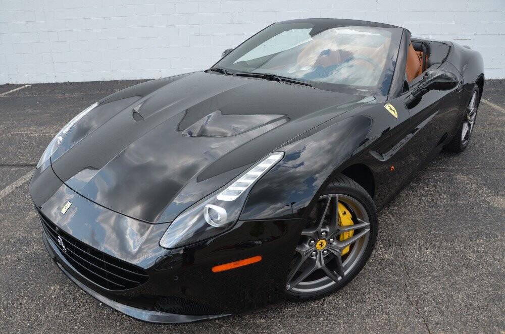 2016 Ferrari  California image _610647bd443442.09964199.jpg