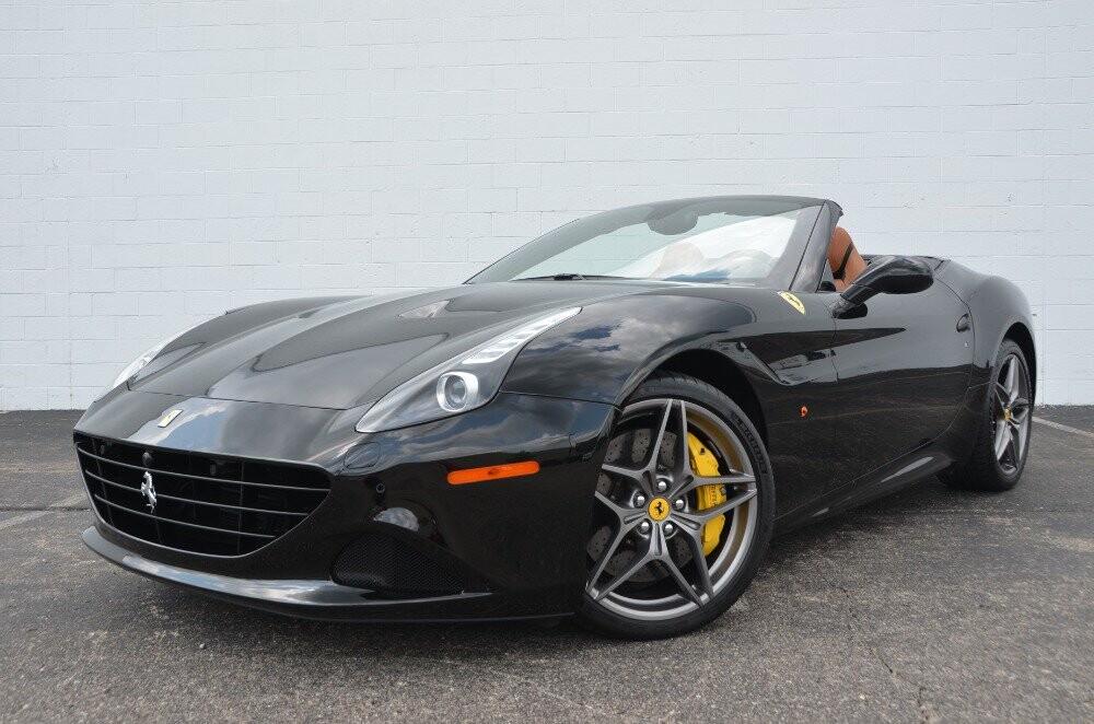 2016 Ferrari  California image _610647bdcf6977.07625148.jpg