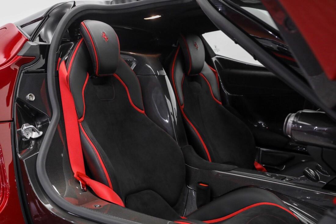 2015 Ferrari La image _610648ec2017d8.24131888.jpg