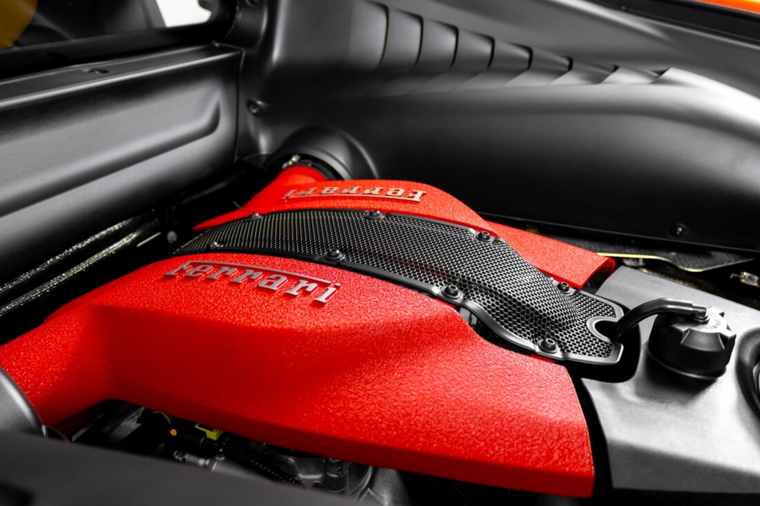 2021 Ferrari F8 Tributo image _610649c57ff376.04158158.jpg