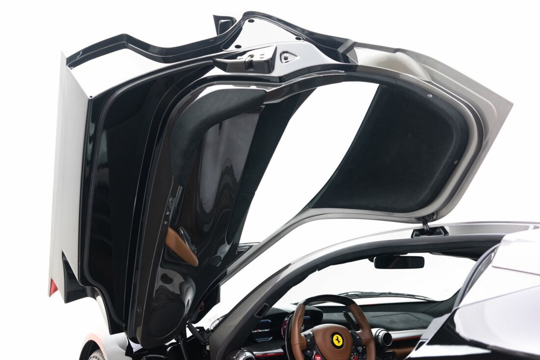 2014 Ferrari La image _61064d1cb08671.83215111.jpg