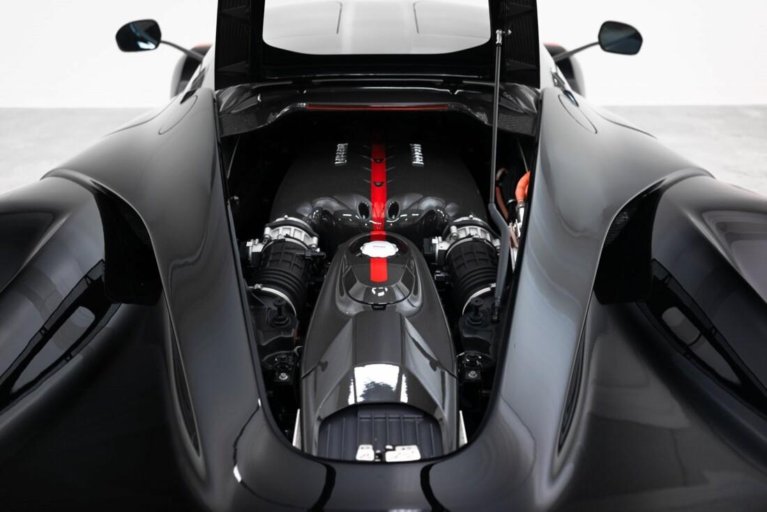 2014 Ferrari La image _61064d21505027.02469125.jpg