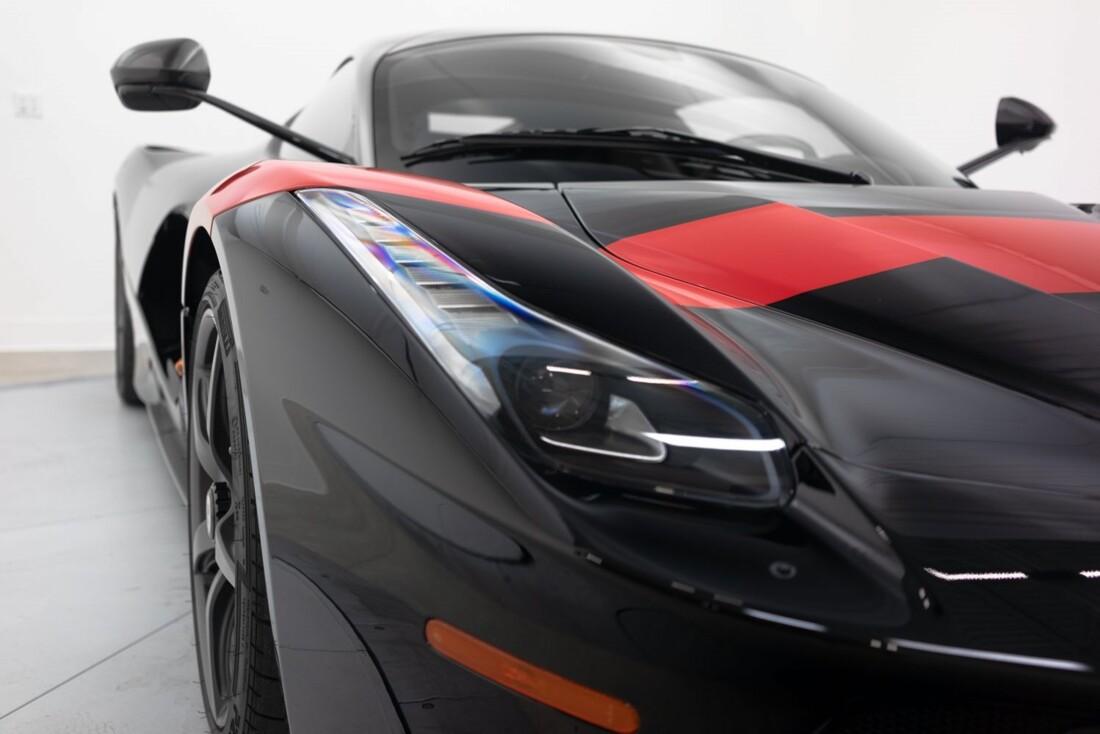 2014 Ferrari La image _61064d3f8ddc52.95970352.jpg
