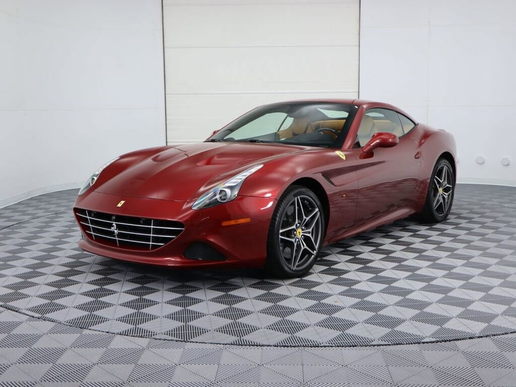 2015 Ferrari  California image _61064eab95f579.33524808.jpg