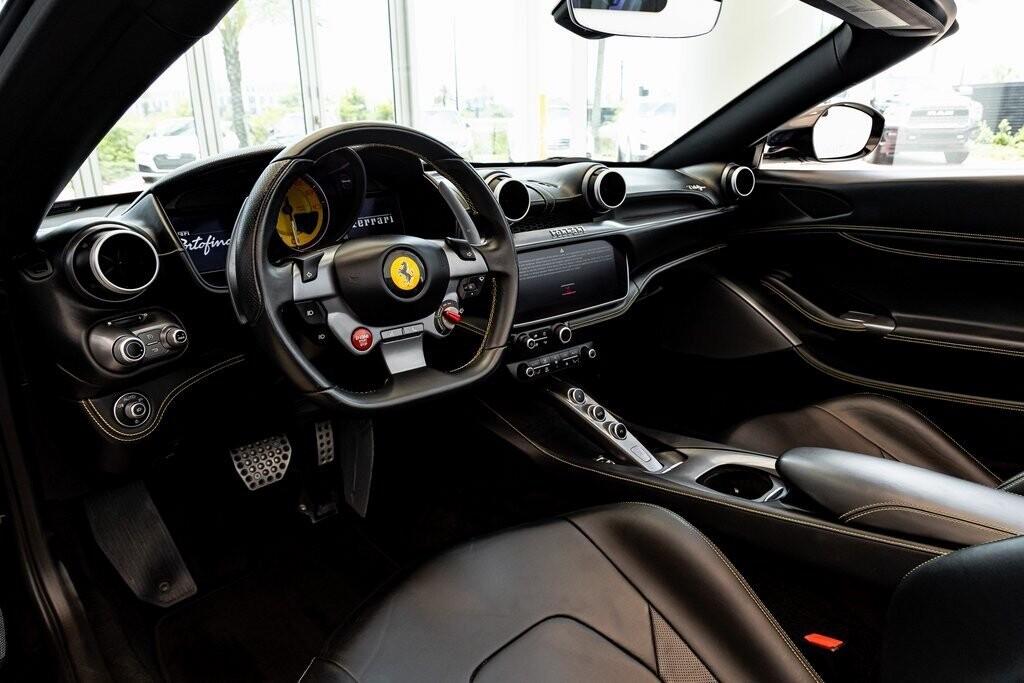 2019 Ferrari  Portofino image _610a3b7cb77894.81045600.jpg