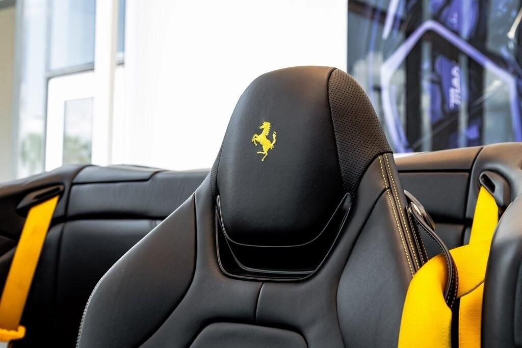 2019 Ferrari  Portofino image _610a3b7fc6ecd1.95230313.jpg