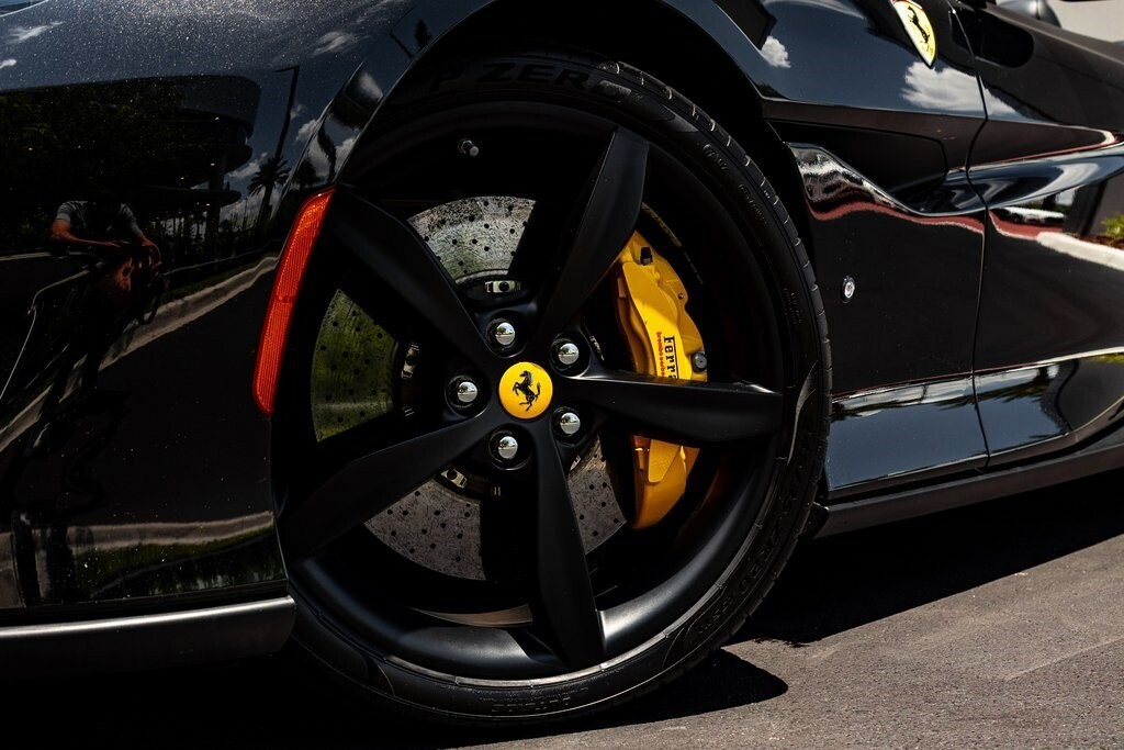 2019 Ferrari  Portofino image _610a3b8ae57167.22437884.jpg