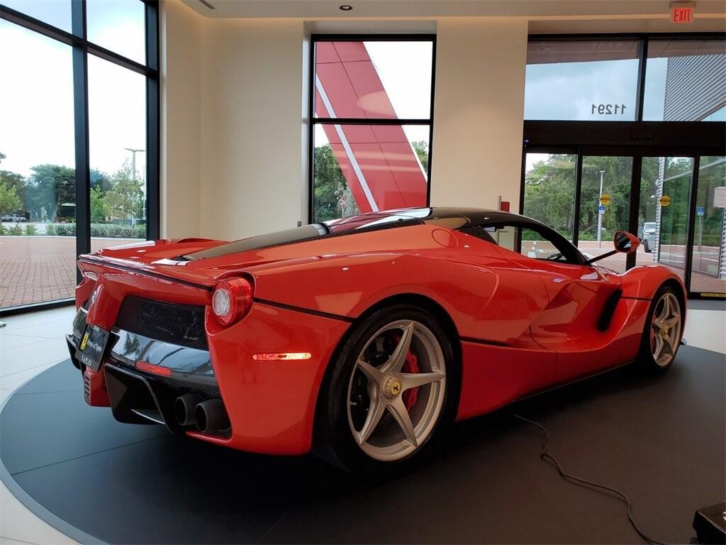 2014 Ferrari La image _610b8d030b6ee4.44846639.jpg