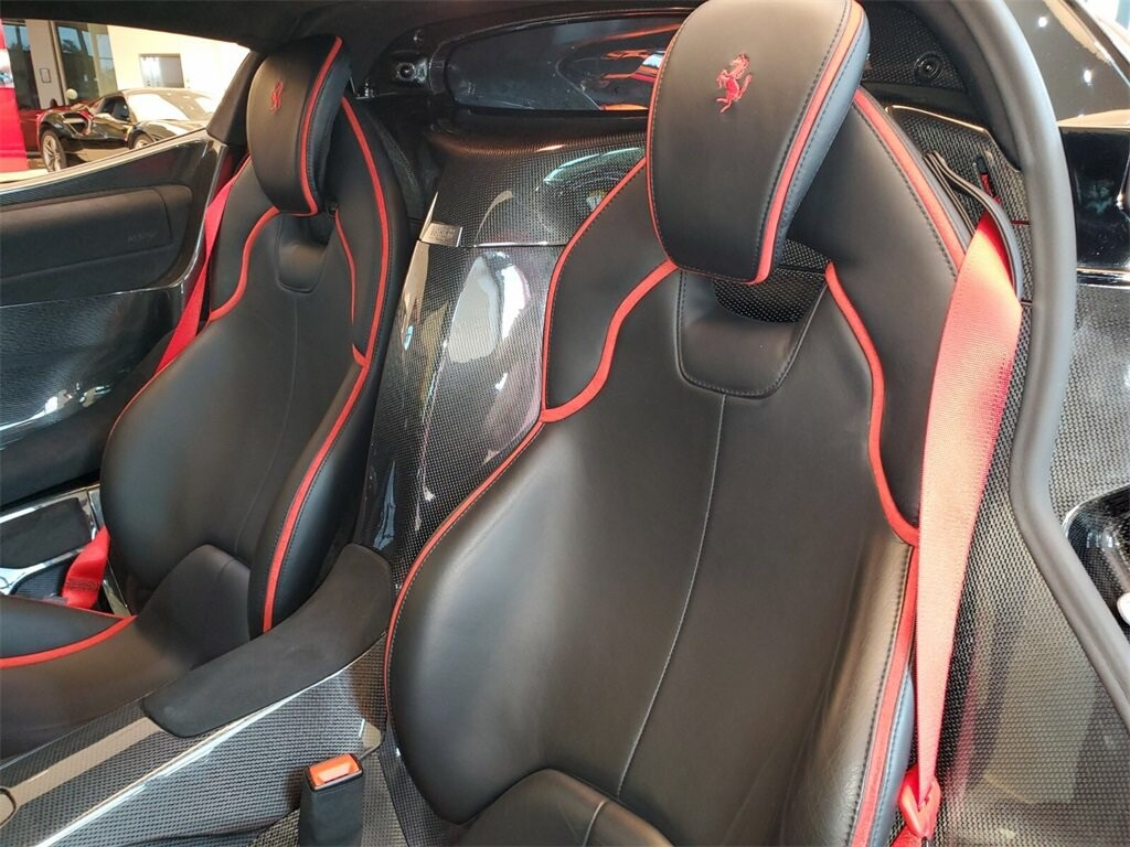 2014 Ferrari La image _610b8d0752b087.83254886.jpg