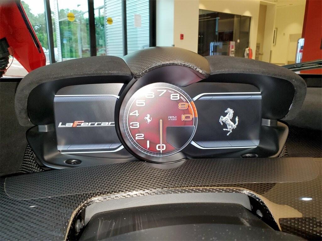 2014 Ferrari La image _610b8d07e75572.87527962.jpg