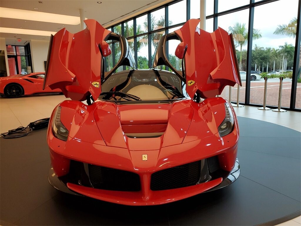 2014 Ferrari La image _610b8d0b397148.51365514.jpg
