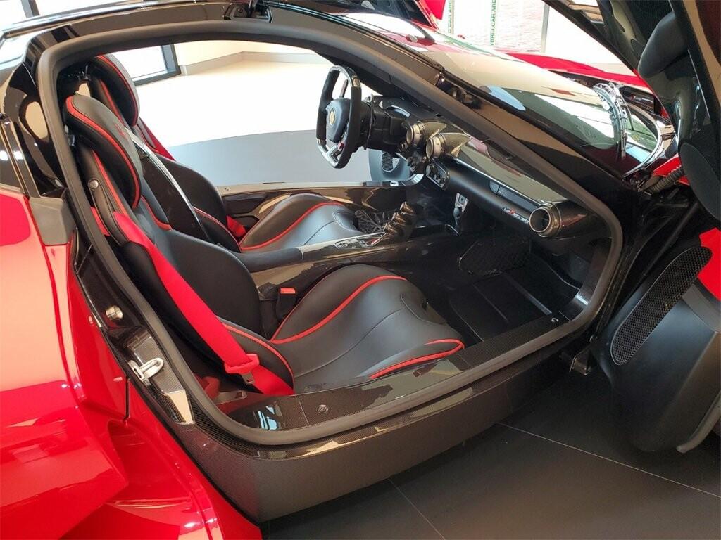 2014 Ferrari La image _610b8d0dd3a476.08046281.jpg