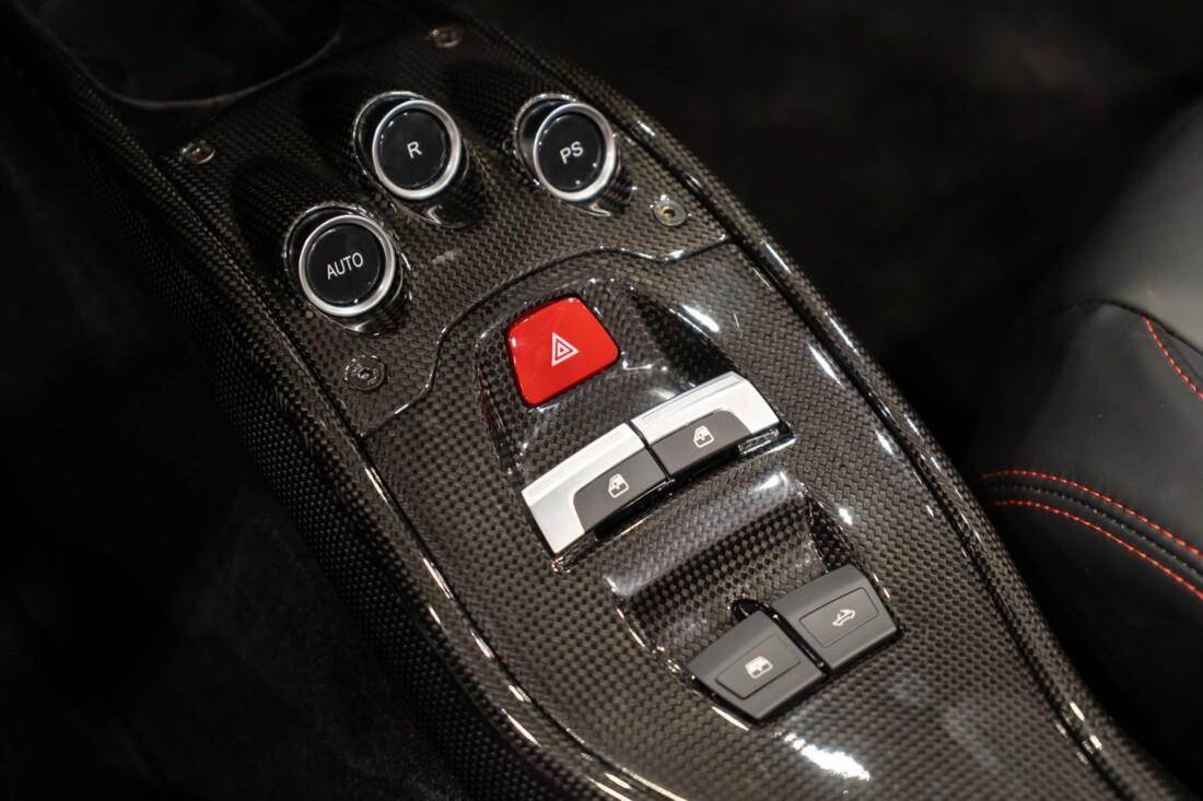 2013 Ferrari  458 Italia image _610b8f559d6501.57354129.jpg