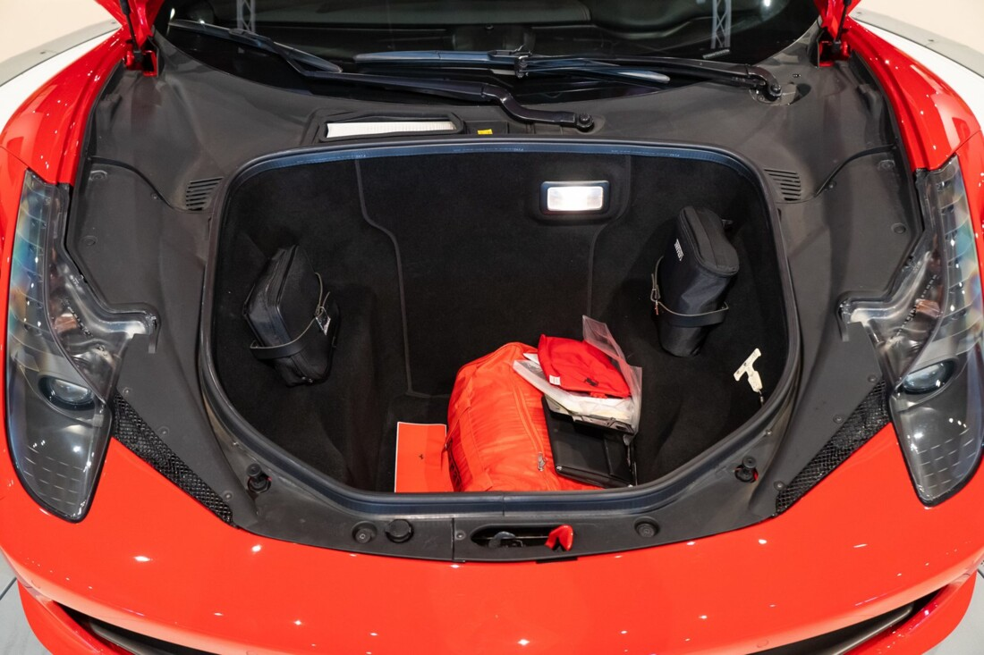 2013 Ferrari  458 Italia image _610b8f6d50fd57.57534633.jpg
