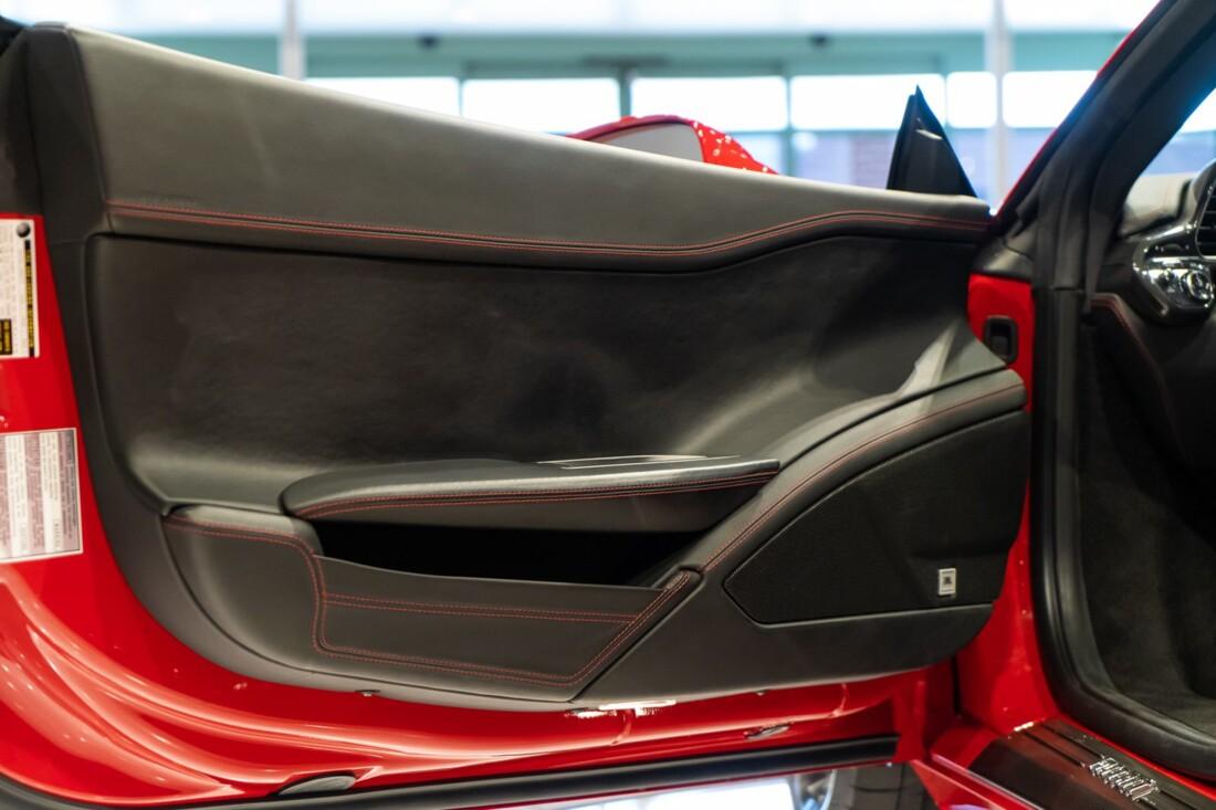 2013 Ferrari  458 Italia image _610b8f710c5f07.38900141.jpg