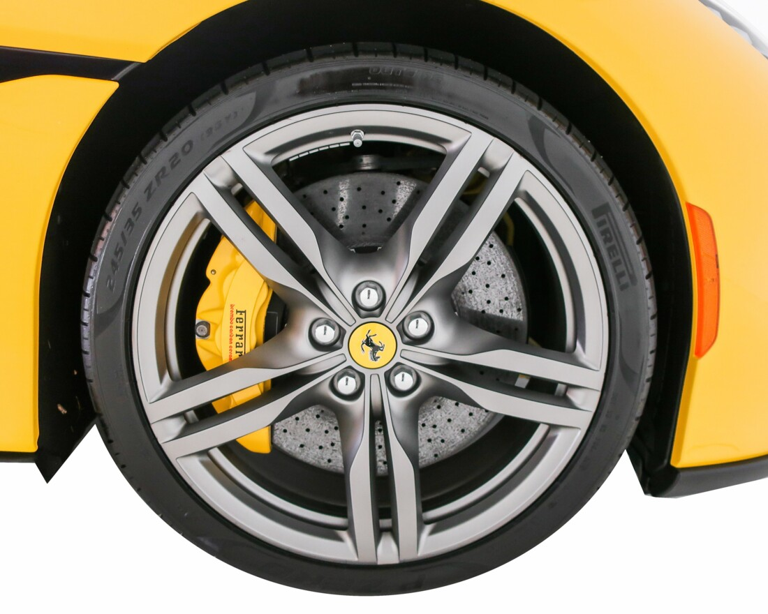 2019 Ferrari  Portofino image _610cde1a170858.43259318.jpg