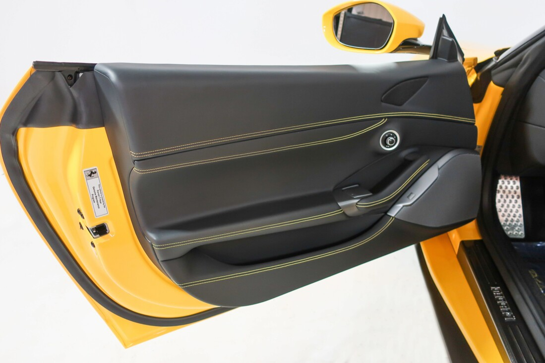 2019 Ferrari  Portofino image _610cde21c63c77.83642646.jpg