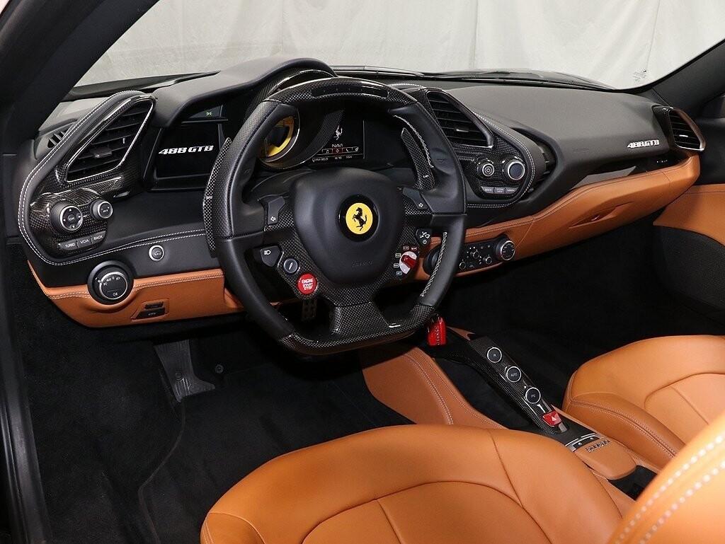 2017 Ferrari 488 GTB image _610cdf83275103.27016226.jpg