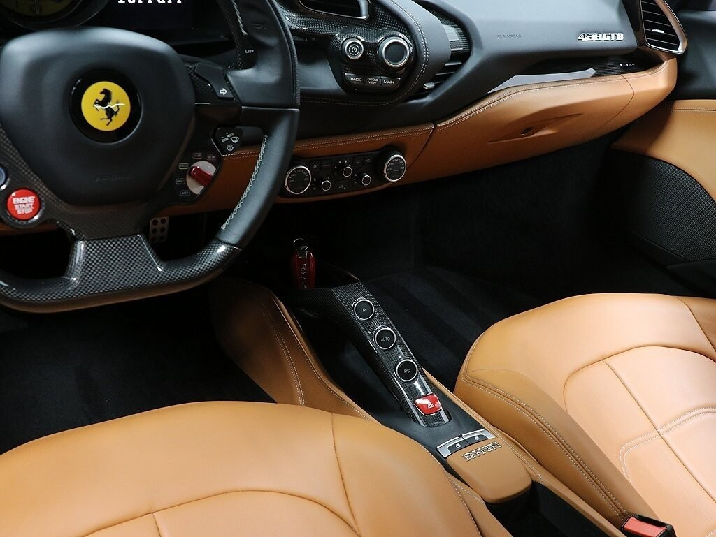 2017 Ferrari 488 GTB image _610cdf9469e3b9.08432019.jpg