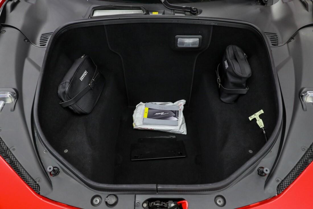 2014 Ferrari  458 Italia image _610ce8b287a1d0.29046917.jpg