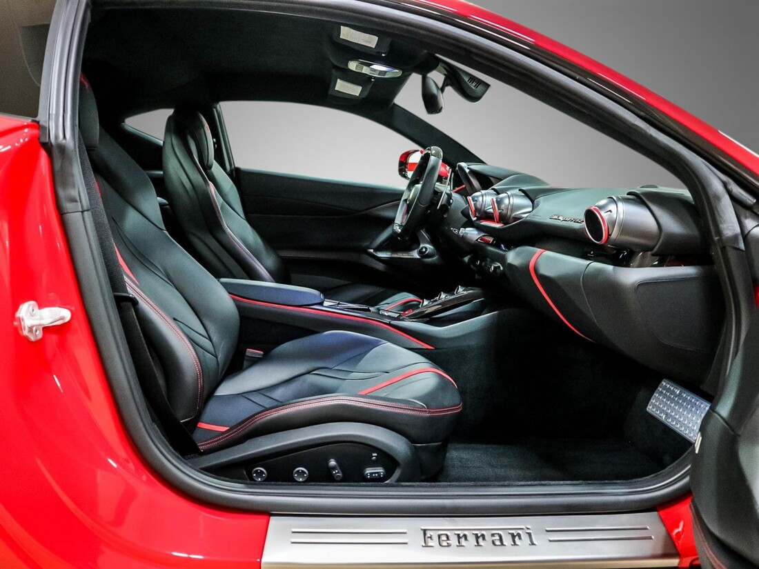 2019 Ferrari 812 Superfast image _610e2fc1cffcb0.06841780.jpg