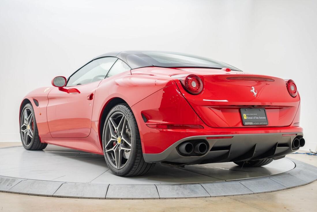 2016 Ferrari  California T image _6110d359ba14b8.79093385.jpg