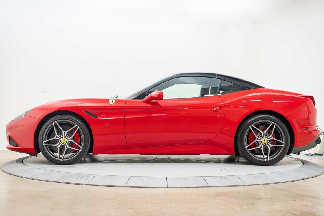 2016 Ferrari  California T image _6110d35eb1e169.63326425.jpg