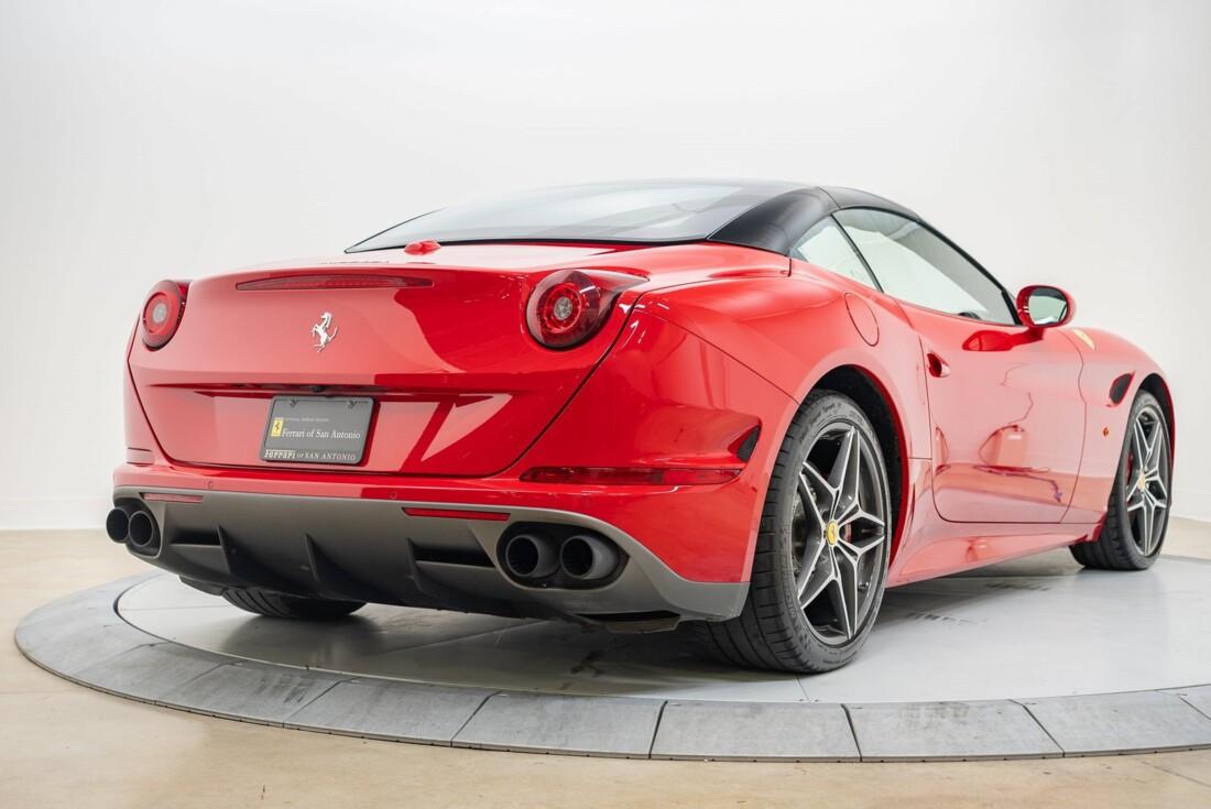 2016 Ferrari  California T image _6110d362aa57b7.79047960.jpg