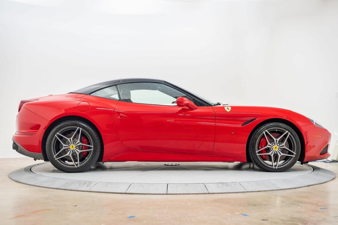 2016 Ferrari  California T image _6110d3639e1de1.53115163.jpg
