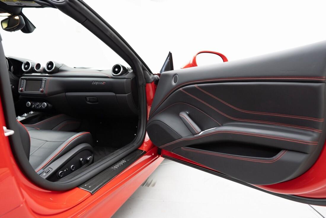 2016 Ferrari  California T image _6110d373c6d156.28025553.jpg