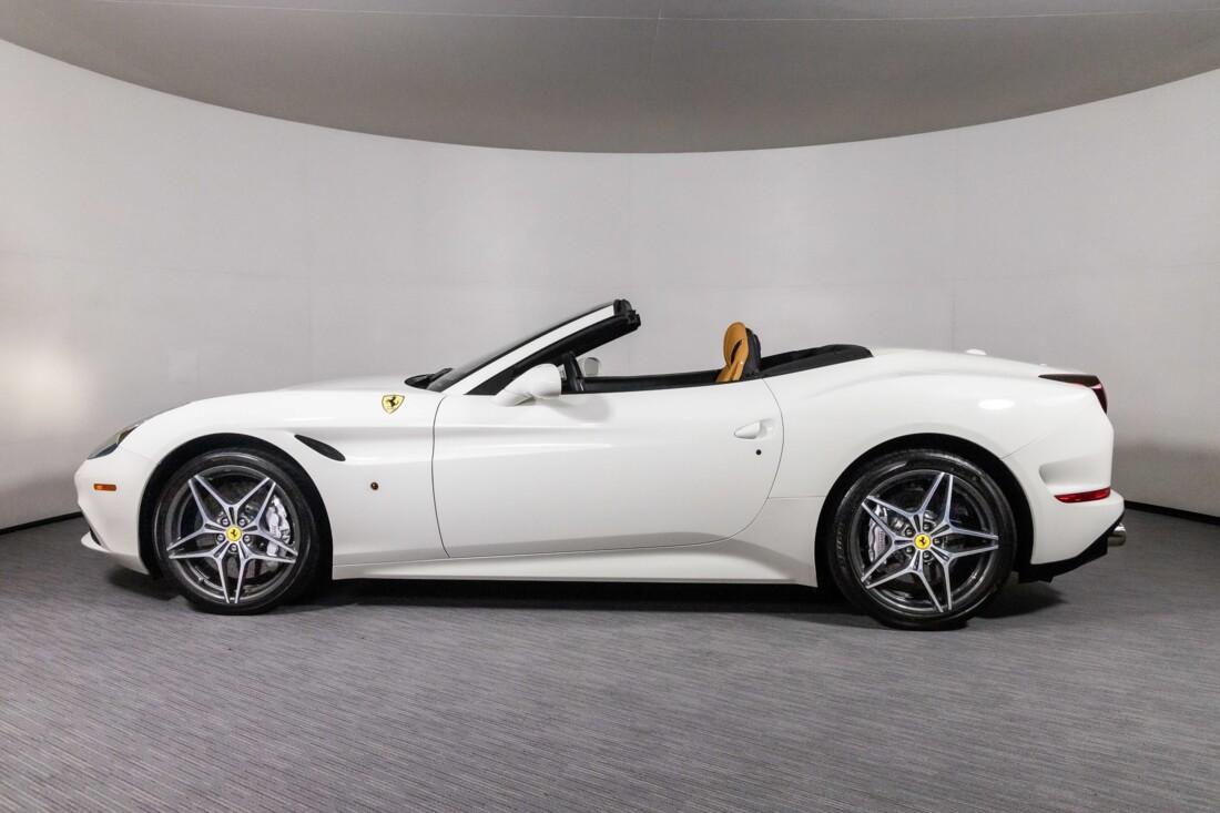 2016 Ferrari  California T image _61137576270ad7.81692786.jpg