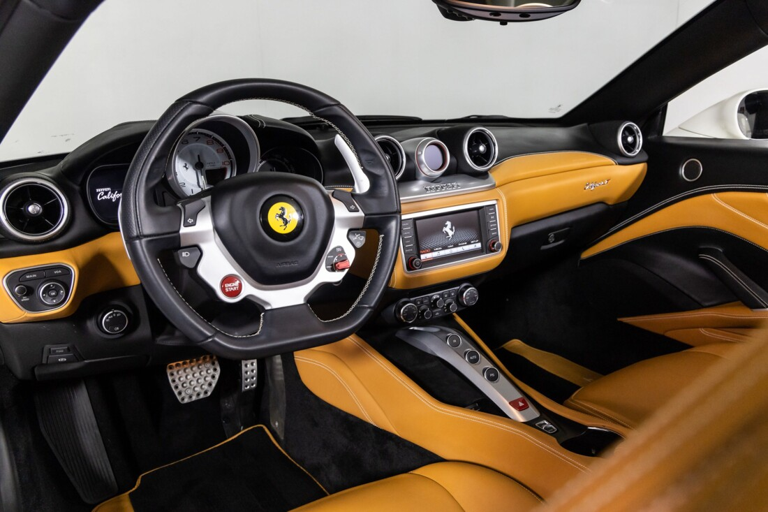 2016 Ferrari  California T image _61137578209267.41447194.jpg