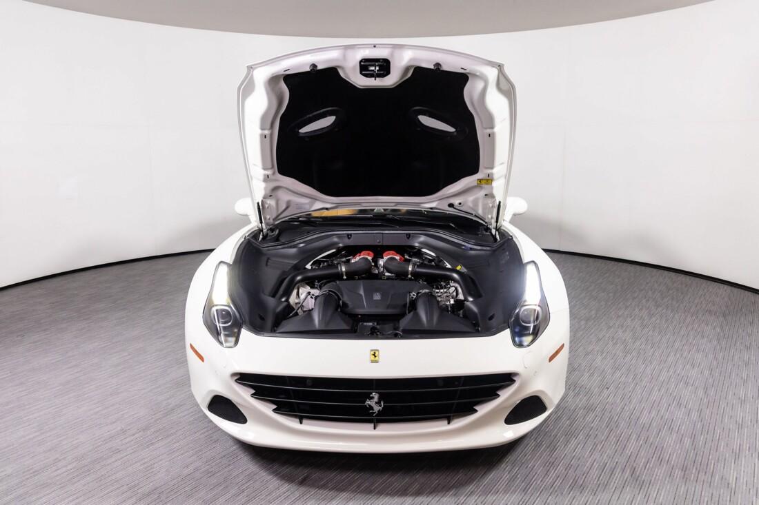 2016 Ferrari  California T image _6113757f8867f1.47414469.jpg