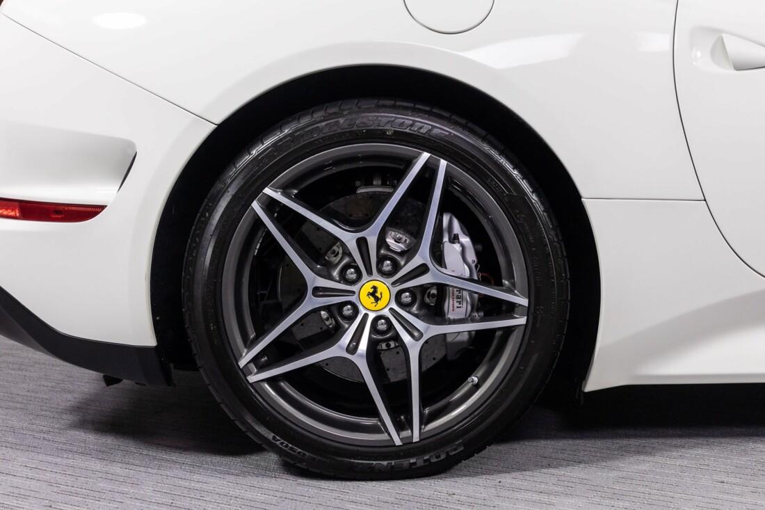 2016 Ferrari  California T image _61137592637408.78132566.jpg