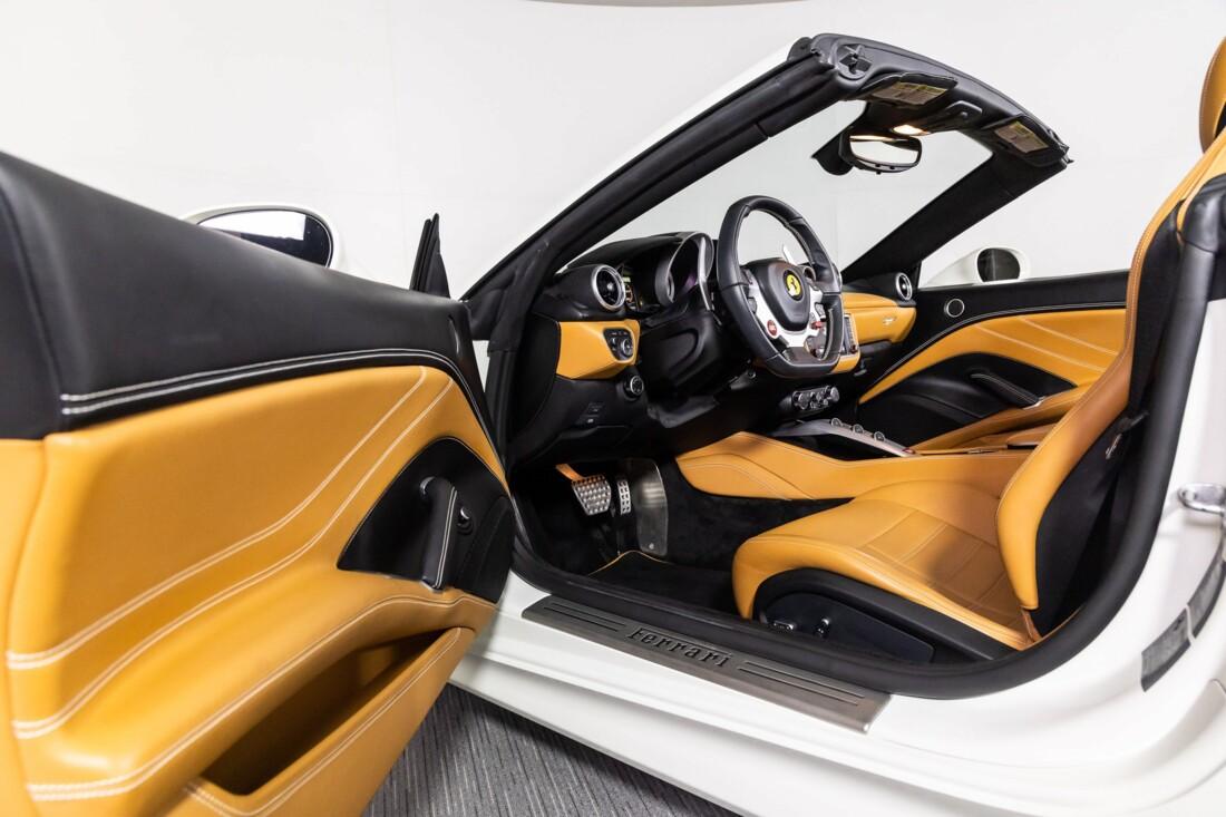 2016 Ferrari  California T image _61137594964080.99502224.jpg
