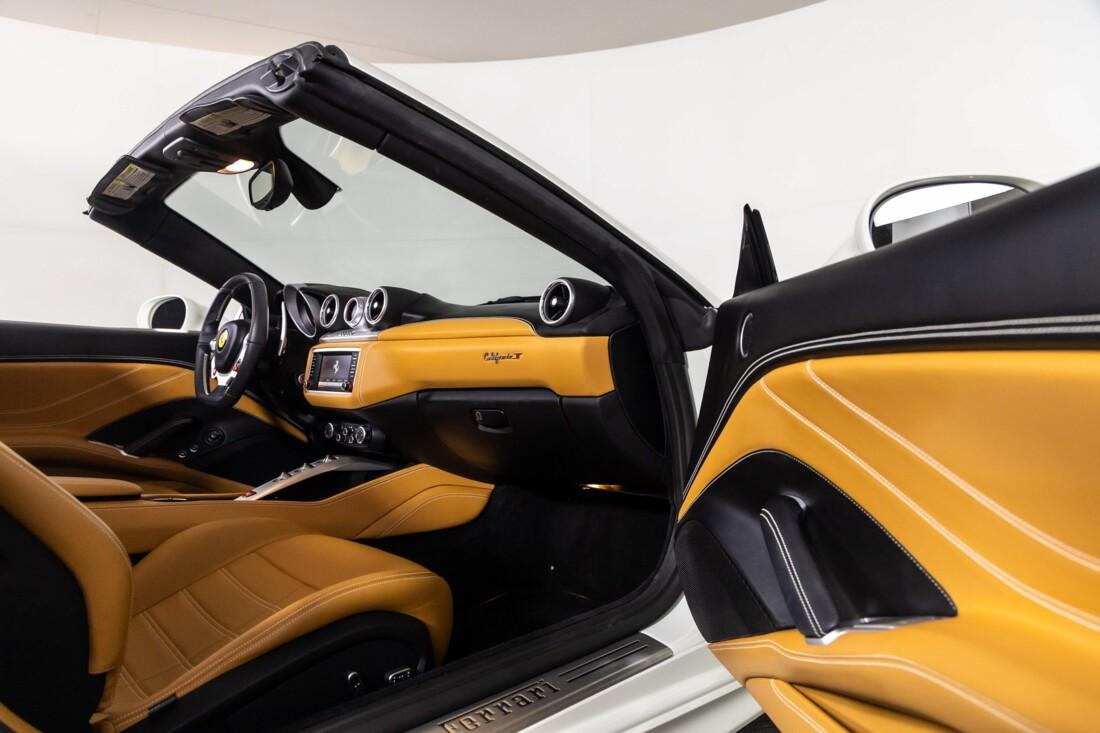2016 Ferrari  California T image _611375c3cf93e8.93436816.jpg