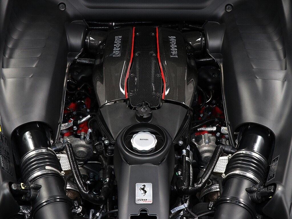 2019 Ferrari  488 Pista image _611618fd2c5ed1.80353832.jpg