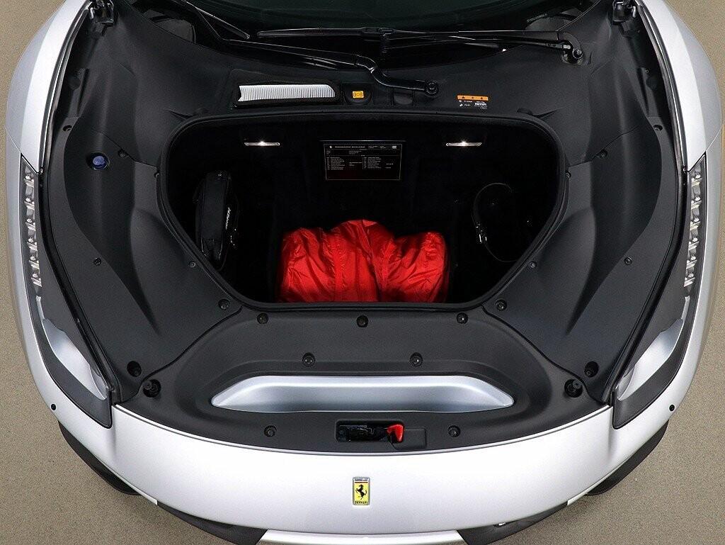 2019 Ferrari  488 Pista image _61161900c1e169.79135485.jpg