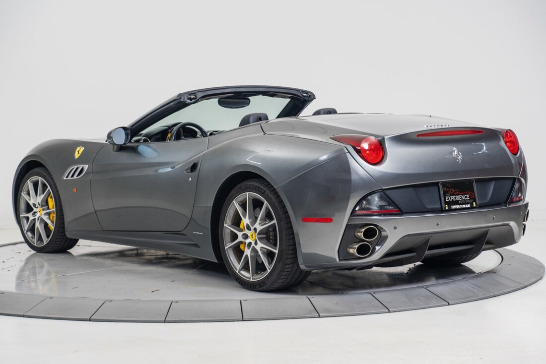 2014 Ferrari  California image _611619f2a025f3.90652612.jpg