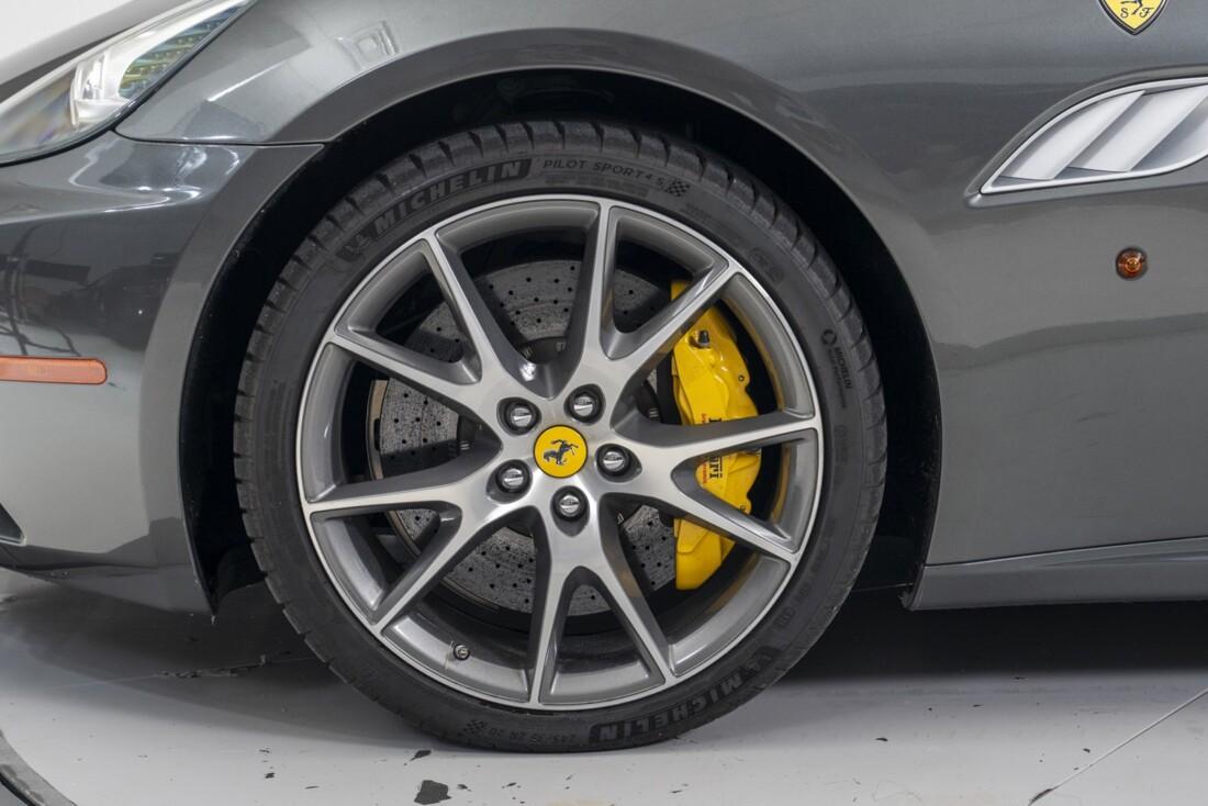 2014 Ferrari  California image _611619fcc77726.25667870.jpg